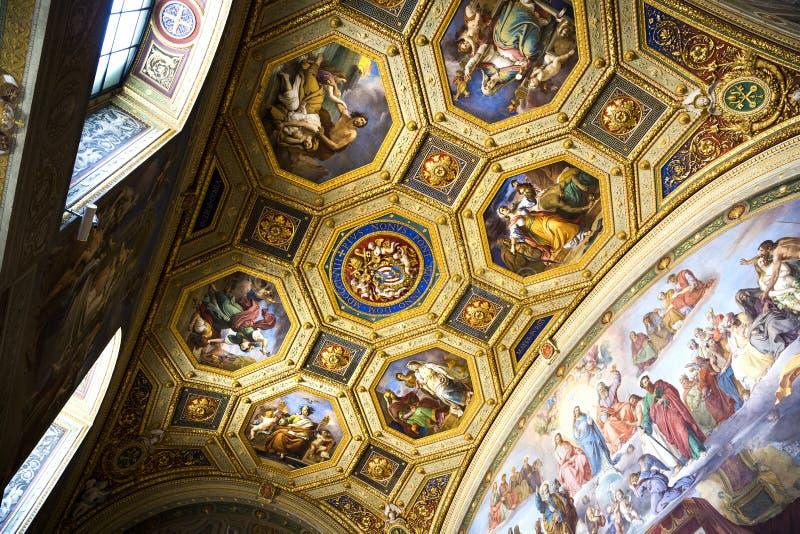 Decoración hermosa del techo en el Vaticano, Italia fotografía de archivo libre de regalías