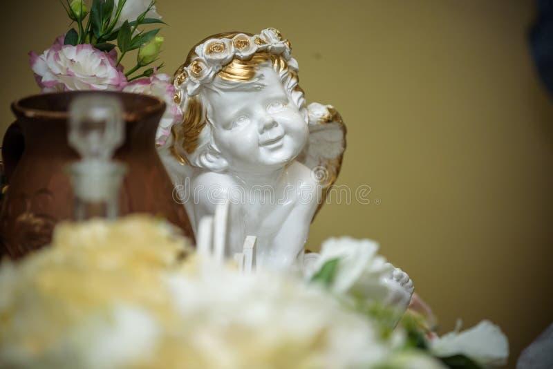 Decoración interior de la tabla del restaurante hermoso para casarse o el evento Decoración de la tabla de la boda de la flor foto de archivo libre de regalías