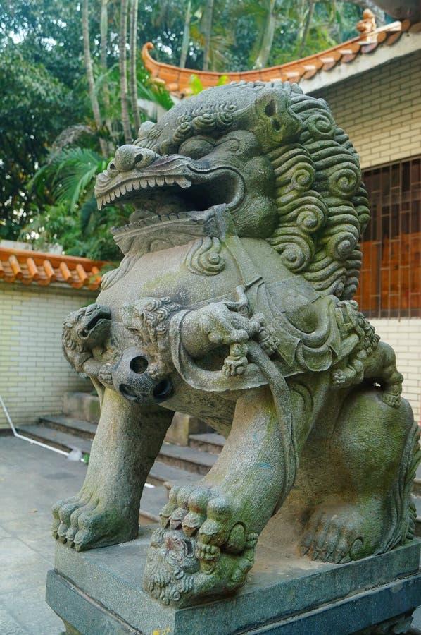 Decoración popular tradicional china: león de piedra imagen de archivo libre de regalías
