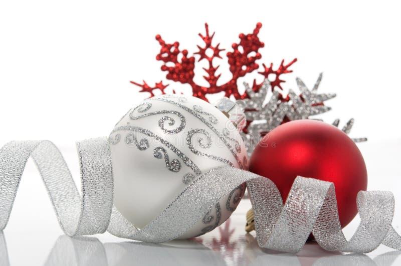 Decoración roja y de plata de Navidad fotos de archivo libres de regalías