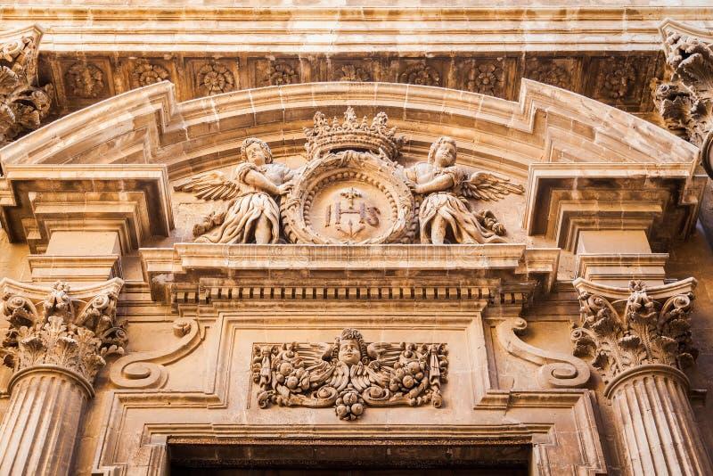 Decoraci n sobre la entrada en estilo barroco foto de - Estilo barroco decoracion ...
