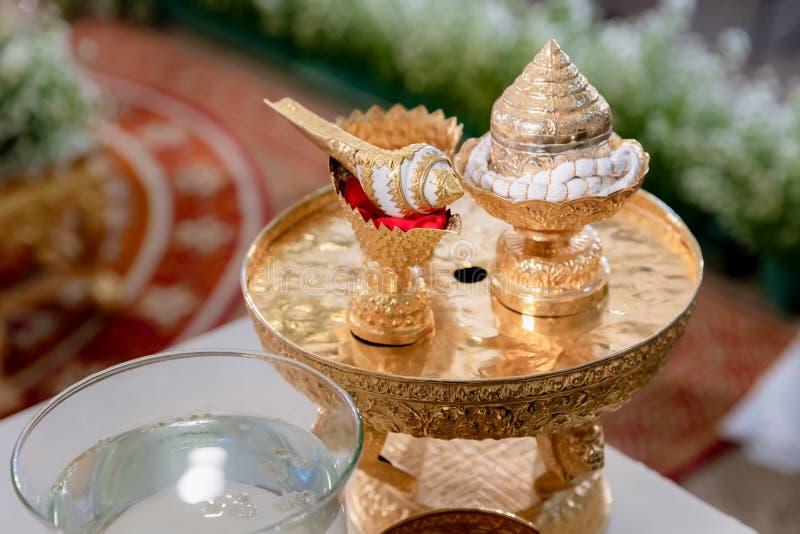 Decoraci?n y artefactos tailandeses tradicionales de la atm?sfera de la ceremonia que se casa foto de archivo