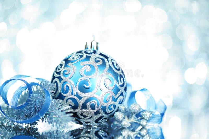 Decoraciones azules de la Navidad fotos de archivo libres de regalías