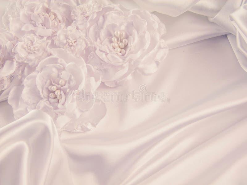 Decoraciones de la boda, seda, cordón, flores de seda fotografía de archivo libre de regalías