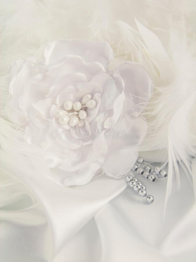 Decoraciones de la boda, seda, cordón, flores de seda foto de archivo