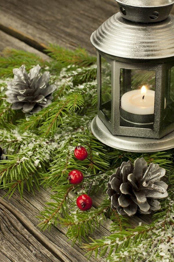 Decoraciones de la Navidad con las velas imágenes de archivo libres de regalías