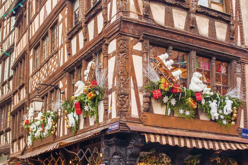 Decoraciones de la Navidad de Estrasburgo imagen de archivo libre de regalías