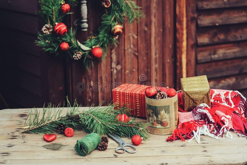 Decoraciones de la navidad del vintage en la casa de campo - La casa vintage ...