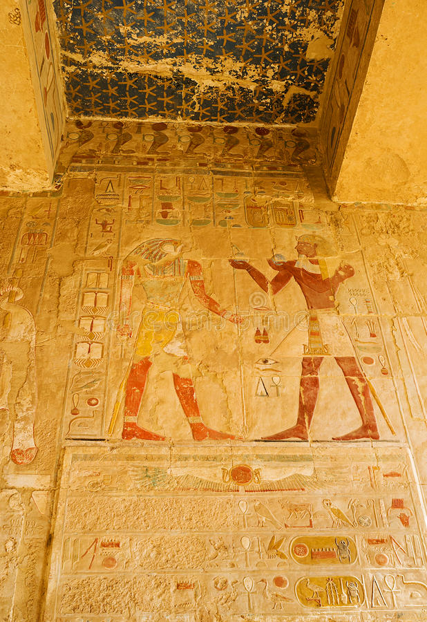 Decoraciones del templo de Hatshepsut fotografía de archivo
