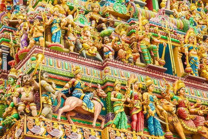 Decoraciones del templo hindú de Sri Veeramakaliamman, Singapur imagenes de archivo