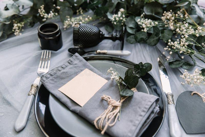 Decoraciones del vector del lugar, del acontecimiento o de la boda Servilleta de lino foto de archivo
