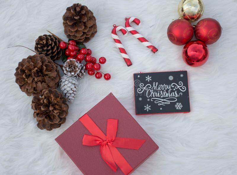 Decoraciones fijadas para las celebraciones dulces de la Navidad imagen de archivo libre de regalías