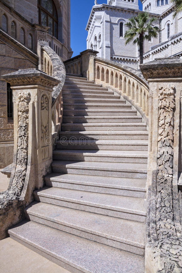 Free Decorated Stairs Royalty Free Stock Photography - 33601067