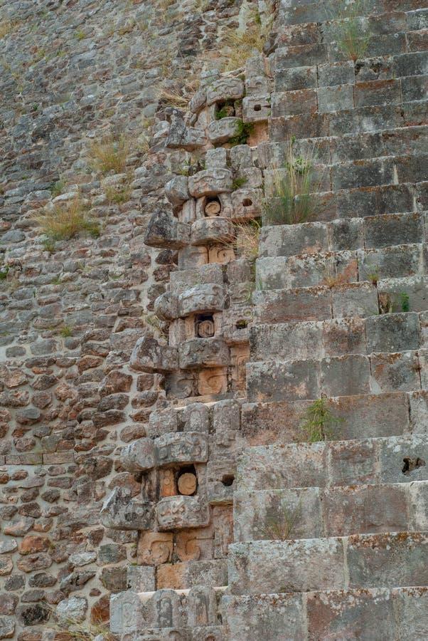 Decoratie in de vorm van een olifant, van een oud Mayan gebouw royalty-vrije stock foto's