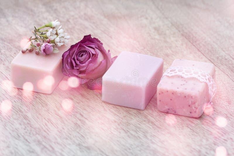Decoratie met natuurlijke zeep stock afbeeldingen