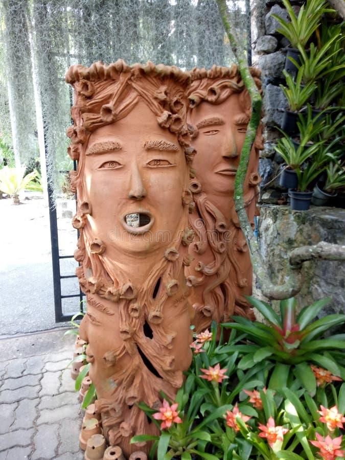 Decoratie in tuin stock afbeelding