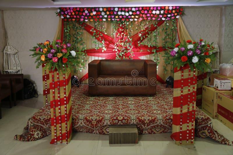 Decoratie van een hotel tijdens het huwelijk in jalandhar, India stock foto's