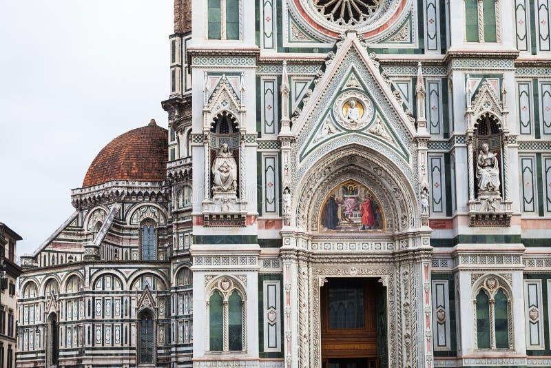 Decoratie van muren van Kathedraal in Florence stock foto