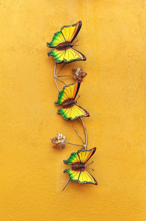Decoratieve ceramische vlinder royalty-vrije stock foto's