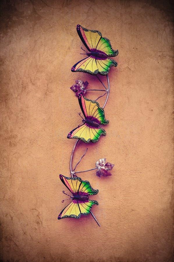 Decoratieve ceramische vlinder stock afbeelding