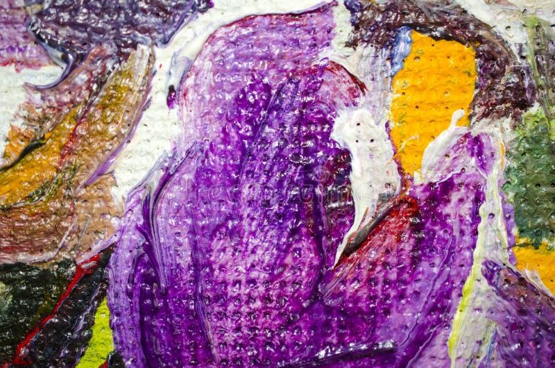 Decoratieve helder violette gele en groene vlekken van olieverf op canvas stock afbeeldingen