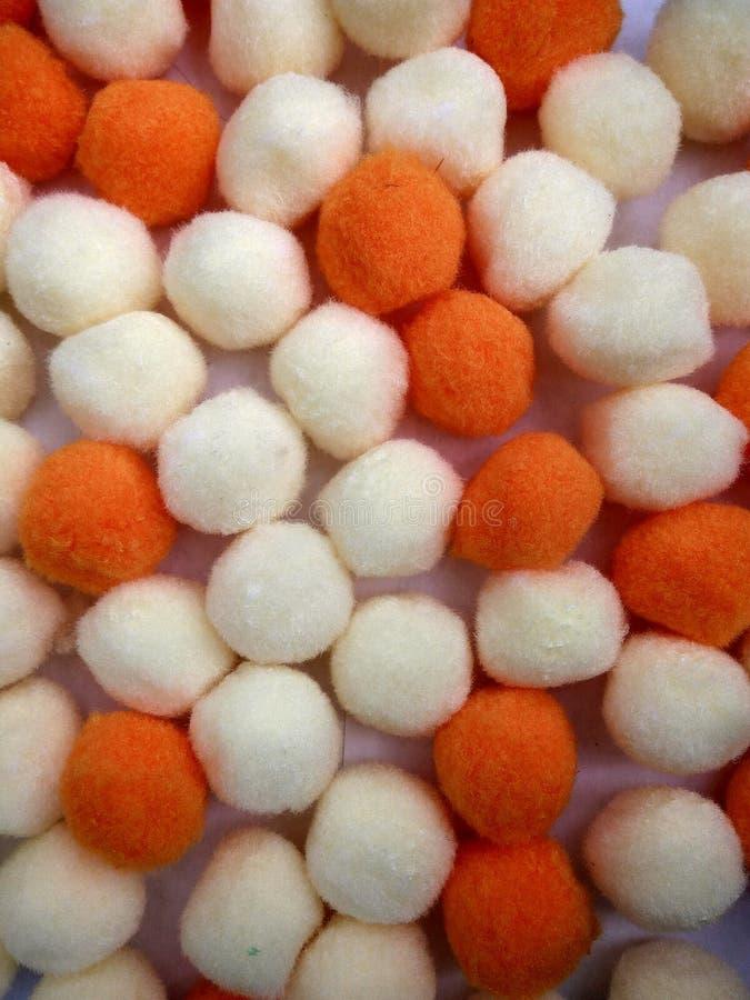 Decoratieve katoenen en polyesterballen pom-pom stock afbeeldingen