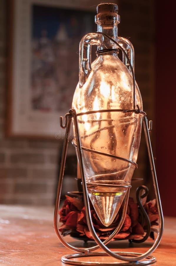 Decoratieve olijfoliefles stock afbeelding