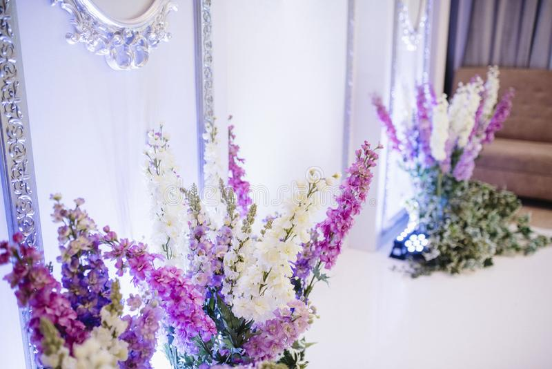 decoration of the banquet hall on the wedding day stock photos
