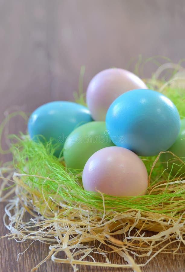 decorazione con le uova di Pasqua fotografia stock libera da diritti