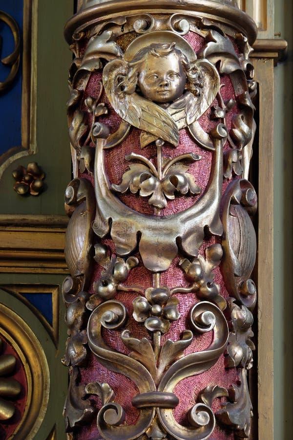 Decorazione dell'altare nella basilica del cuore sacro di Gesù a Zagabria immagini stock libere da diritti