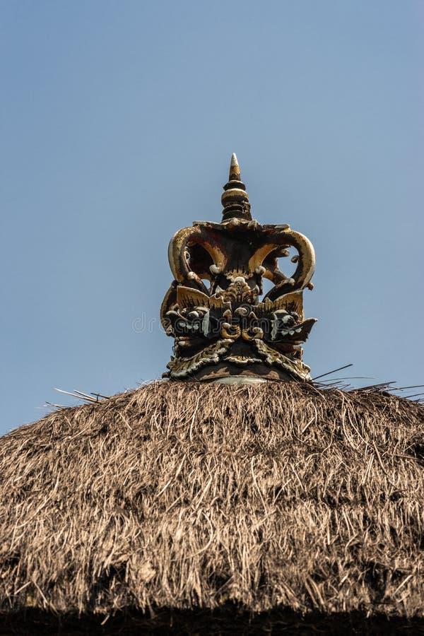 Decorazione della corona al composto del clan, Dusun Ambengan, Bali Indonesia fotografia stock