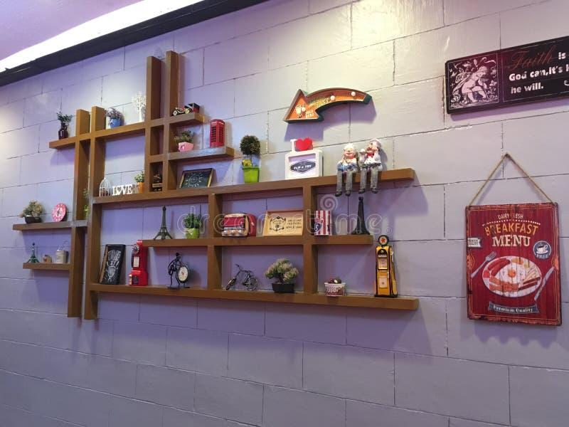 Decorazione della parete in un ristorante fotografie stock