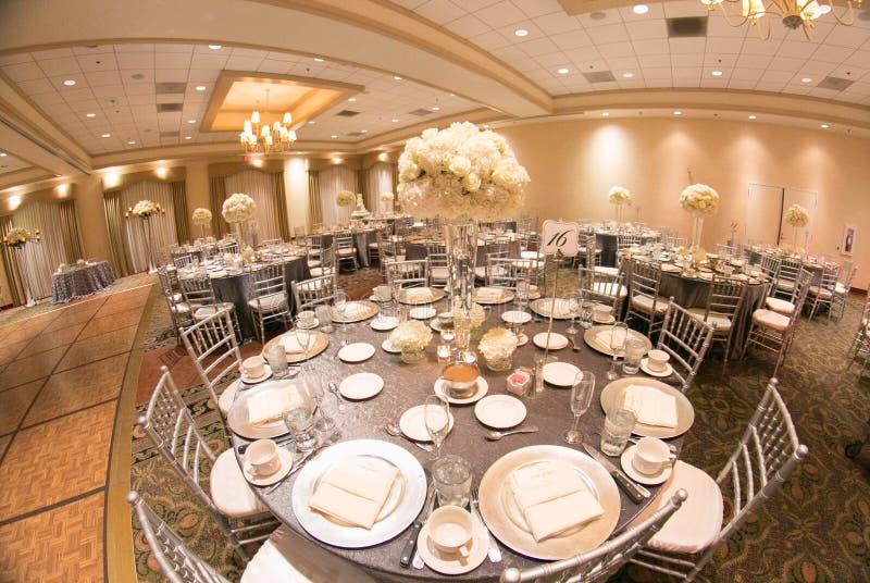 Decorazione della tavola di nozze fotografie stock libere da diritti