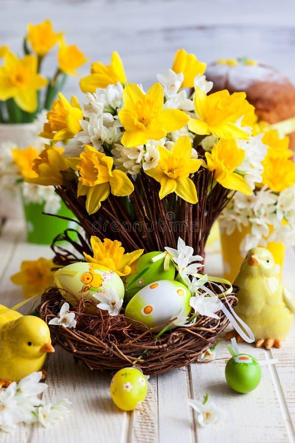 Decorazione della tavola di Pasqua immagini stock libere da diritti
