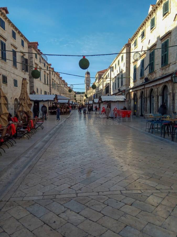 Decorazione della via nella vecchia città di Ragusa, Croazia Architettura antica di stupore, cattedrale, quadrato immagine stock libera da diritti
