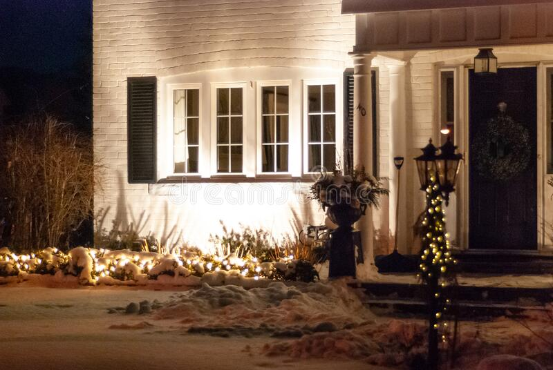 Decorazione delle case in inverno immagini stock libere da diritti