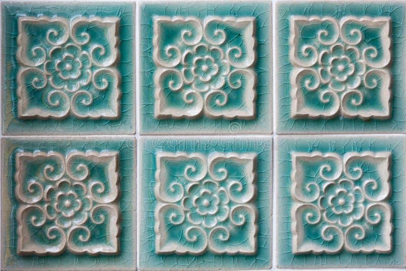 Decorazione delle mattonelle ceramiche verdi della parete immagini stock