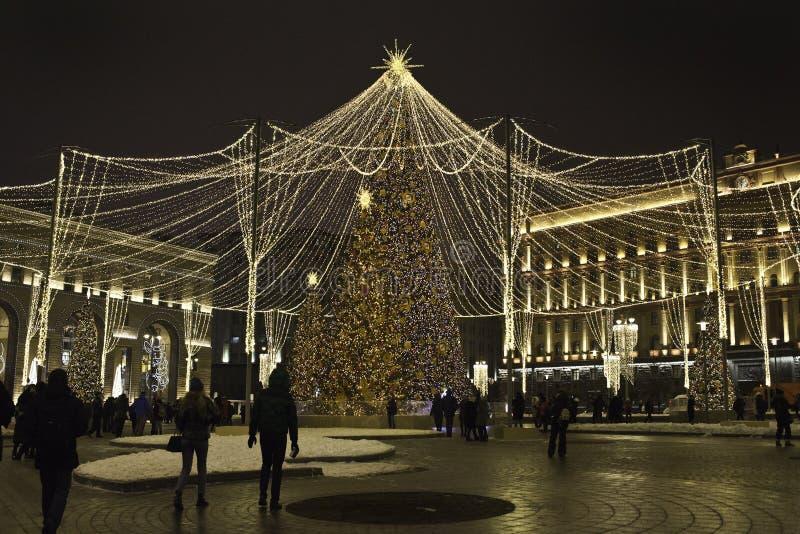 Decorazione delle vie sulla stagione di Natale e del nuovo anno fotografia stock