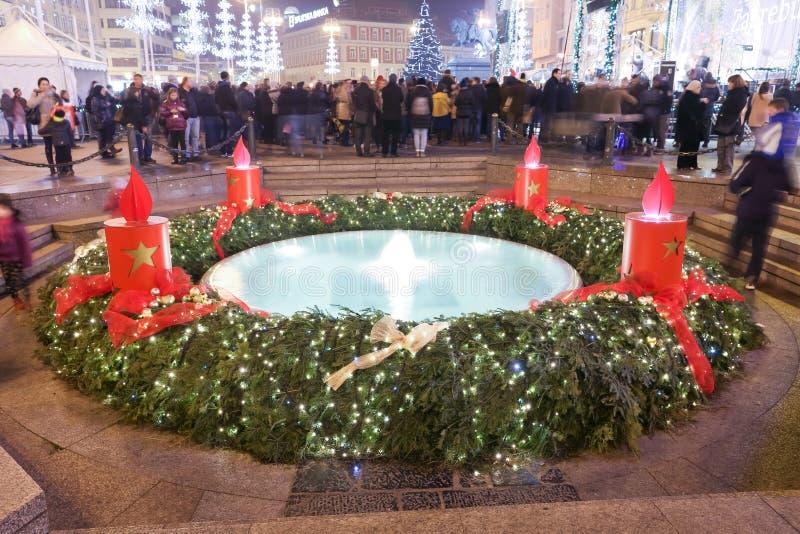 Decorazione di arrivo sulla fontana di Mandusevac fotografia stock