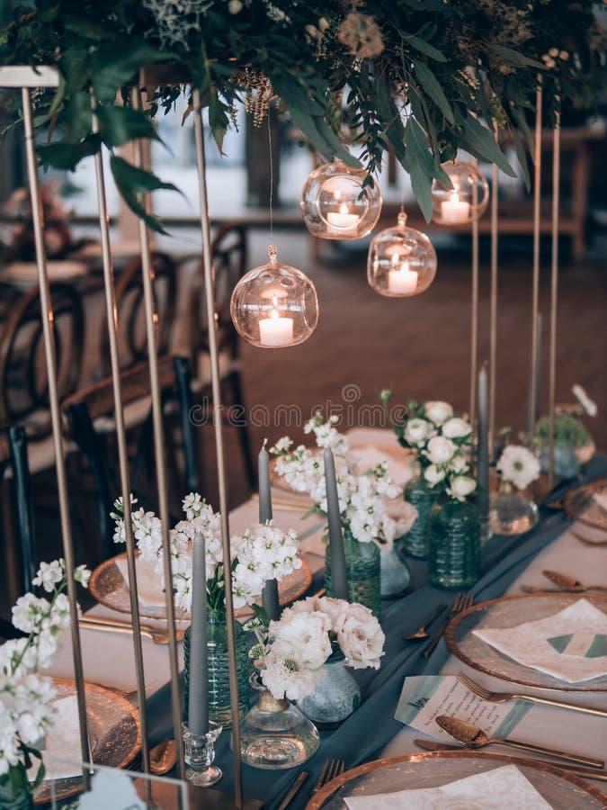 Decorazione di cerimonia nuziale Tabella messa a nozze immagine stock