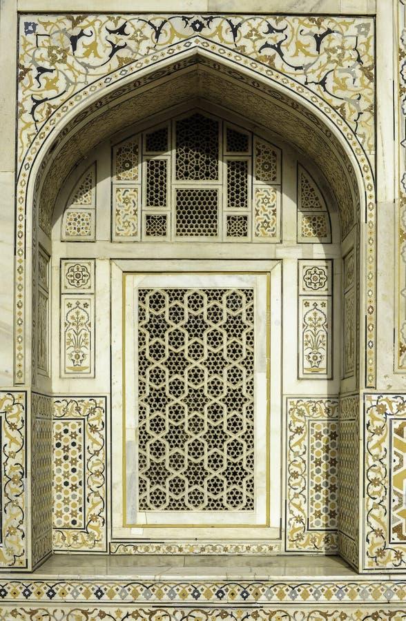 Decorazione di Marbel della tomba di Itimad-ud-Daulah o del bambino Taj a Agra, India immagini stock libere da diritti