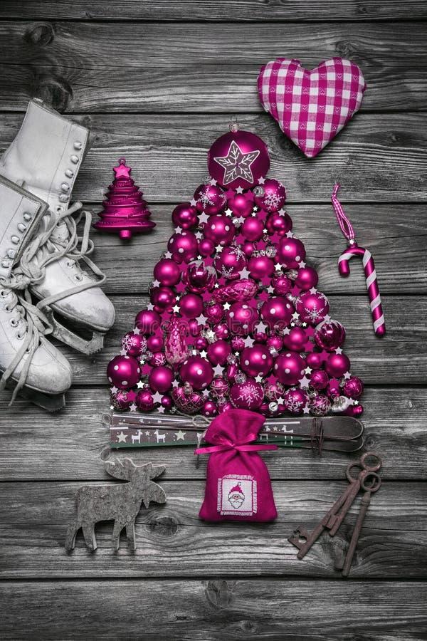 Decorazione di Natale: eleganza o stile country misera nello d'annata fotografia stock