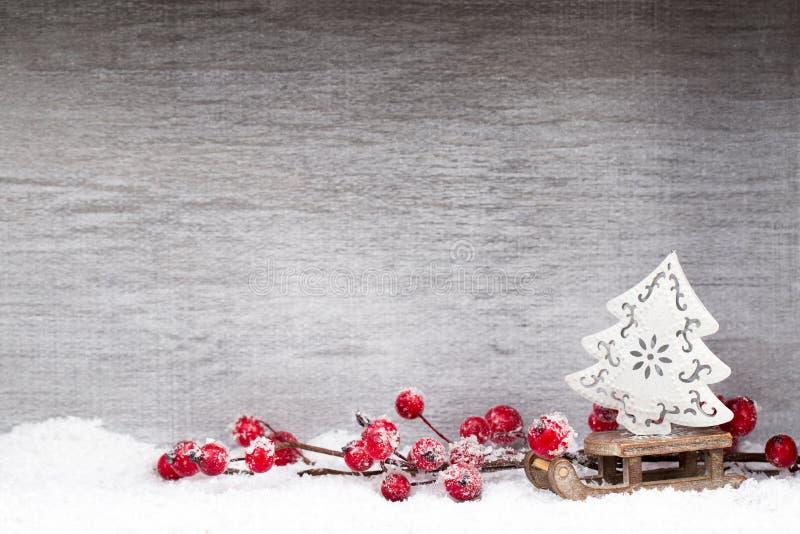 Decorazione di natale Il Babbo Natale su una slitta Natale di simbolo fotografie stock libere da diritti