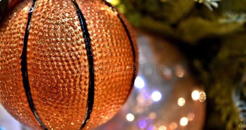 Decorazione di Natale, ornamento dell'albero, pallacanestro fotografie stock libere da diritti