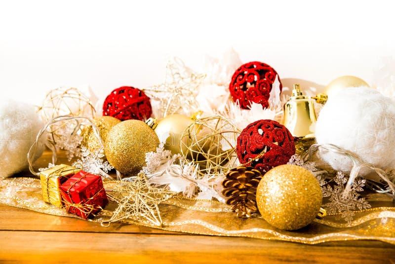 Decorazione di Natale sopra le luci fotografie stock libere da diritti