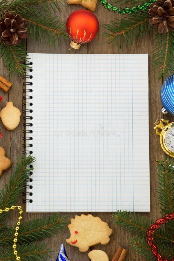 Decorazione di Natale su legno fotografia stock libera da diritti