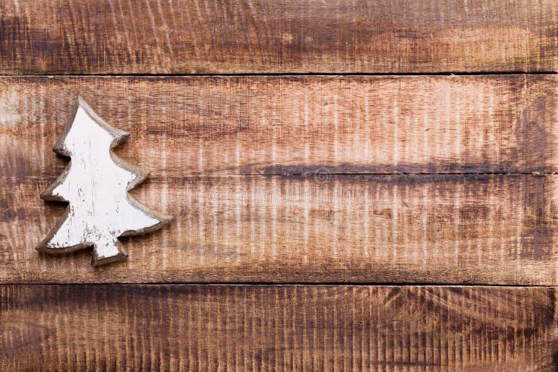 Decorazione di Natale sui vecchi precedenti di legno d'annata immagini stock libere da diritti