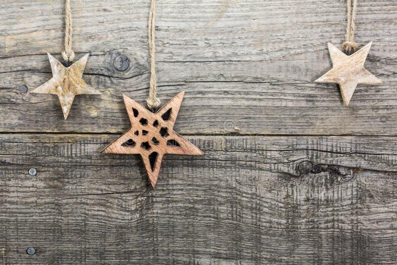 Decorazione di Natale sul bordo di legno immagine stock