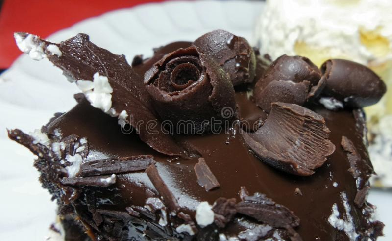 Download Decorazione Di Superficie Dei Fiori Del Dolce Di Cioccolato Fotografia Stock - Immagine di fiori, fiore: 56889756