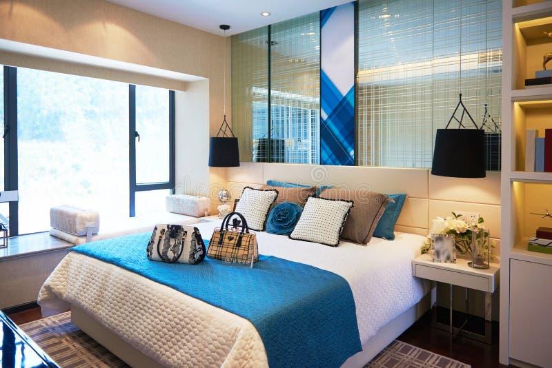Decorazione domestica di lusso della camera da letto fotografie stock libere da diritti
